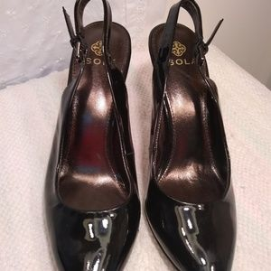 Women's New with flaws Isola Shiny Black Heels